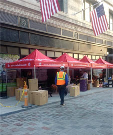 Roche Bros. farmers market in downtown crossing