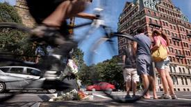 Bike riders commute around Boston
